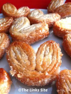 Sweet and Crunchy Cinnamon Palmiers - These are so easy to make and very yummy! - The Links Site