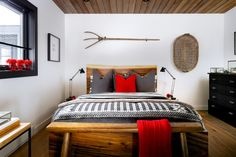 Home Improvement: Creativity, cushions help turn mouldy spare room into guest oasis Cabin Design, Cottage Design, Cute Small Houses, Engineered Timber Flooring, Cabin Pressure, Cottage Interiors, Affordable Home Decor, Spare Room, Log Homes