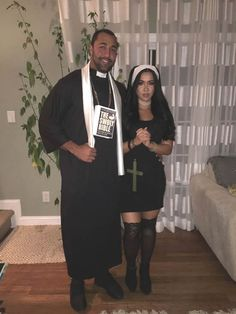 Thinking about fresh Halloween costumes for couples? Why not check out some really cool Couples Halloween Costumes right here. I bet you'll love them. Modern Halloween, Fete Halloween, Halloween Ideas, Priest Costume, Nun Costume, Meme Costume, Costume Ideas