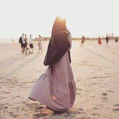 Improve Your Career - Tingkatkan Karir Anda (Infographic) Hijab Niqab, Muslim Hijab, Ootd Hijab, Muslim Dress, Hijab Chic, Hijab Outfit, Muslim Girls, Muslim Couples, Muslim Women