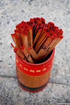 Kau Cim sticks, fortune telling, Hong Kong