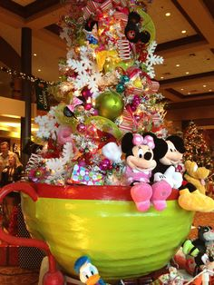. Disney Christmas Decorations, Christmas Trees For Kids, Mickey Mouse Christmas, Christmas Tree Themes, Merry Little Christmas, Christmas Tree Ornaments, Christmas Time, Christmas Crafts, Christmas Trimmings