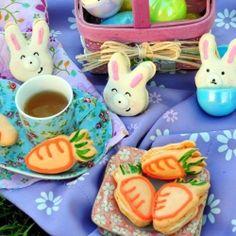 Vanilla Bean Easter Bunny Macarons and Carrot Cake Macarons to celebrate