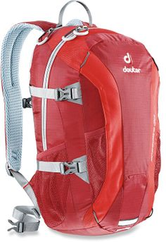 The Deuter Speed Lite 20 pack weighs just over 1 lb.! #REIGifts