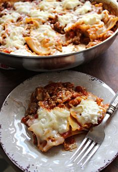 This Skillet Lasagna tastes just like the real deal, but is ready in a fraction of the time! If you've got 30 minutes and a skillet, you can enjoy this delicious pasta dish! #skilletmeals #easymeals #comfortfoodrecipes #lasagnarecipes #easydinners #easydinnerideas #familymeals #lasagna #skilletlasagna