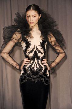 Marchesa at New York Fashion Week Fall 2011 - Runway Photos