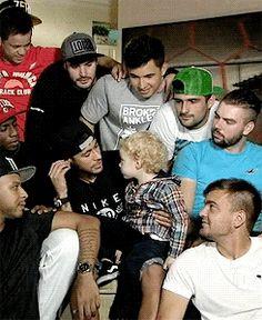 neymar and davi lucca.... awww i love them way to much!!!