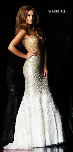 Sherri Hill Red Carpet/ Evening dress 2514.. Maybe not for Prom, but I sure do love this dress...