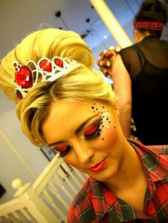 Queen of hearts. make up yes...hair no.