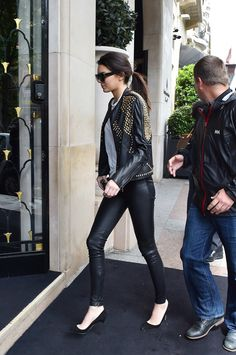 kendall jenner Arriving at Four Seasons Hotel George V in Paris - May 22 [HQs]