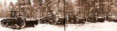 Танки Т-26 различных модификаций (образца 1933 года с поручневыми антеннами, зенитными установками и фарами для ночной стрельбы, а также образца 1931 года двухбашенные пулеметные) из состава 35-й легкотанковой бригады на фронте. Февраль 1940 года.