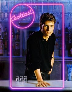 Cocktail, Tom Cruise & Chandler back when he was normal Blockbuster Movies, 80s Movies, Great Movies, Movie Tv, 1980s Films, Awesome Movies, Cocktail 1988, Cocktail Movie, Cocktail Sauce