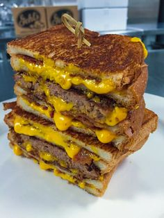 Grilled Cheese Bacon Cheeseburger : Craziest ballpark foods