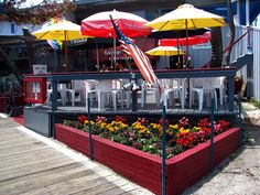 Fire Island Gay Guide and Photo Gallery: Cherry Grove Pizza, adjacent to Ice Palace Nightclub and Grove Hotel