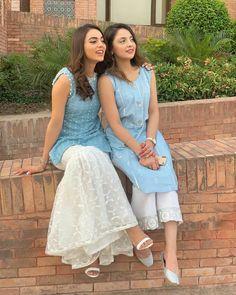 Looks Which Are Aww Adorable - AwesomeLifestyleFashion Black Lehenga Like Alia Black Lehenga would be super glamorous and . Indian Gowns Dresses, Indian Fashion Dresses, Dress Indian Style, Pakistani Dresses, Indian Outfits, Ethnic Outfits, Stylish Dresses, Casual Dresses, Casual Wear