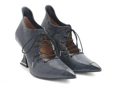 Whether you are looking for casual shoes or vintage high heels, Fluevog women's shoes are more than a fashion statement. Vintage High Heels, Vintage Shoes, John Fluevog Shoes, Kinds Of Shoes, Lace Up Heels, Hot Shoes, Fashion Shoes, Women's Fashion, Designer Shoes