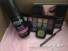 #socialmedia RT jessicabae11: In love with the doll box from doIIcosmetics somebody please get it for me  http://pic.twitter.com/V6Ffo4NFpw   Social Marketing Pro (@Social_MKT_) September 5 2016