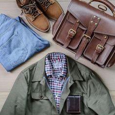Casual Friday grid with some fall favorites like my @viberg boots (2030 last boondockers via @rivetandhide) and @spiermackay flannel shirt coming out of the closet. . : @orslow 107 denim via @brooklynclothing : @epaulet X @deansnuts field jacket : @marlondoleather (review link in bio) : @corterleather bifold wallet in color 8 @horweenleather shell cordovan. . . . #viberg #spierandmackay #epaulet #epauletcontest #marlondoleather #corterleather #orslow #selvedgedenim #fadefriday #madetobeworn… Viberg Boots, Dandy Style, Flatlay Styling, Field Jacket, Flannel Shirt, Military Jacket, Men Casual, Menswear, Stylish