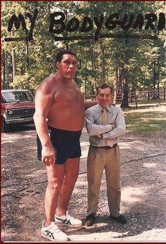 Andre the Giant and 60 Minutes reporter Morley Safer Gym Workout Chart, Gym Workouts, Andre The Giant, Vince Mcmahon, Wrestling Superstars, Hulk Hogan, Professional Wrestling, Old Tv, Big Men