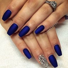 Blue matte nails, cobalt blue nails, blue acrylic nails, blue and sil Cobalt Blue Nails, Blue Matte Nails, Blue Acrylic Nails, Gold Nails, Gradient Nails, Holographic Nails, Pink Nail, Navy And Silver Nails, Black And Blue Nails
