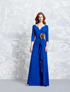 Ball gown or godmother dress from Pepe Botella collection 2017 model 1157 in Eva N … Godmother Dress, Maxi Styles, Occasion Dresses, Formal Dresses, Wedding Dresses, Mother Of The Bride, Dress Collection, Designer Dresses, Ball Gowns