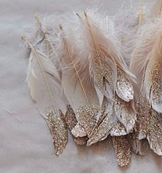 An expencive look feathers fir a decor. Super simple to make.