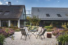 Design interieur, stephen versteegh, the art of living Art Of Living, Living Spaces, Backyard, Patio, Outdoor Living, Outdoor Decor, Modern Interior Design, House Design, Villa