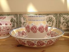 Gypsy Hearts 1.5 Pint Jug and Medium Dish for the Collectors Club 2002 (Discontinued)