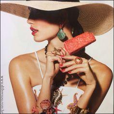 DIFERENZA  Colar Com Hematitas e Concha em Pérolas  Marie Claire Brasil - Janeiro 2015  Agradecimentos : @larissalucchese  @helenomanoel  @nheiniger @marieclairebr    #diferenza #diferenzapress #marieclairebr #moda #fashionjewelry #fashionphotographers #photographers #fashiongram #fashionpost #womenstyle #detalhesquentes #editorial #press #mídia #celebrites #model #luxurydetails #girls #editorialdemoda #bracelets #pulseiras #jewelry #saopaulo #jardins