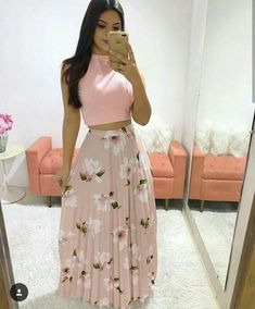 who also loves a long ? Drag to the side and tell me your favorite ❣️ f Maxi Skirt Style, Skirt Outfits, Sexy Outfits, Casual Outfits, Summer Outfits, Girls Fashion Clothes, Fashion Dresses, Clothes For Women, Long Choli Lehenga