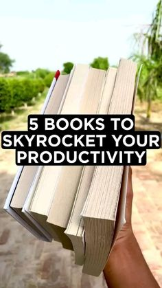 Inspirational Books To Read, Inspirational Quotes For Students, Top Books To Read, Good Books, Book Suggestions, Book Recommendations, Best Self Help Books, Entrepreneur Books, Self Development Books