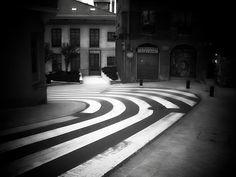 Paso de cebra eterno by loretahur, via Flickr