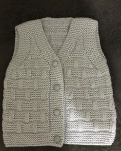 This Pin Was Discovered By Crochet Baby Sweaters, Crochet Baby Cardigan, Crochet Baby Clothes, Crochet Jacket, Kids Knitting Patterns, Baby Sweater Knitting Pattern, Knitting For Kids, Knitting Designs, Pullover Designs