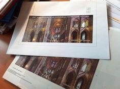 """Photo """"volée"""" : projet (bien avancé) du souvenir philatélique pour le 850e anniversaire de Notre-Dame de Paris © Portail du Timbre, DR."""