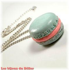 Collier gourmand macaron fimo rose et bleu pour petite fille : Collier par les-bijoux-du-belier