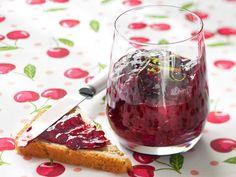 Limetillä maustettu marjahillo http://www.yhteishyva.fi/ruoka-ja-reseptit/reseptit/limetilla-maustettu-marjahillo/013754