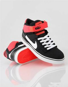 Nike 6.0 Zoom Mogan 2 SE Skate Shoes