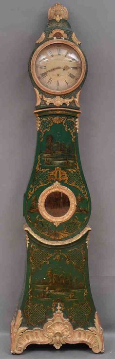 emerald green Swedish clock with gilded Chinoiserie decoration in the Rococo Style
