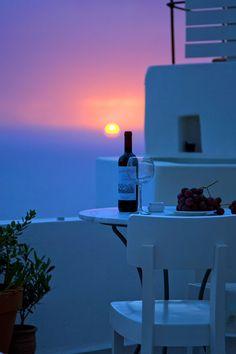 Sunset in Oia, Santorini, Greece....