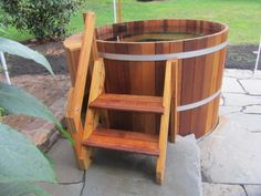 northern lights tubs is canada's leading wood hot tub brand. we have been making cedar hot tubs and saunas for over 20 years and export internationally. our western red cedar is harvested using sustainable forestry practices using only the finest clear grain wood. our tubs come in many sizes from our japanese 2 person ofuro tubs to our large extra deep hydro therapy tubs. we of