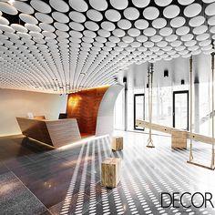 Agência de publicidade em Frankfurt recebe ambiente flexível e moderno. Veja mais: http://www.revistadecor.com.br