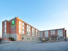 West Mifflin (PA) Holiday Inn Express and Suites Pittsburgh West Mifflin United States, North America Stop at Holiday Inn Express and Suites Pittsburgh West Mif to discover the wonders of West Mifflin (PA). The hotel offers a wide range of amenities and perks to ensure you have a great time. Facilities like free Wi-Fi in all rooms, 24-hour front desk, express check-in/check-out, meeting facilities, business center are readily available for you to enjoy. Comfortable guestrooms ...