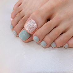 Feet Nail Design, Toe Nail Designs, Feet Nails, My Nails, Pedicure Nails, Manicure, Nails 2018, Neutral Nails, Holiday Nails