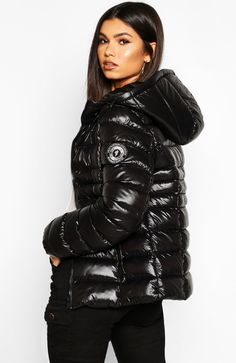 Tomboy Outfits, Swag Outfits, Cute Outfits, Puffer Coat With Fur, Coats For Women, Jackets For Women, Black Raincoat, Plastic Raincoat, Black Down