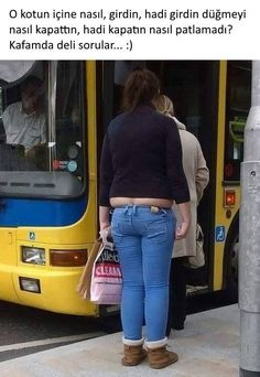 🤨 I swear jeans are the same price in the next size up! Funny Happy, Funny Cute, Ridiculous Pictures, Funny Photos, Cool Photos, Face Swaps, Fashion Fail, Comic Pictures, Funny Comedy