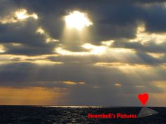 The #dawn that pierces the clouds in #Stromboli.