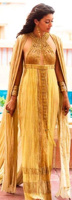 Siybilla Deen como Ankhhesenamun en la mini serie 'Tut'' (2015). Diseño de vestuario por Carlo Poggioli