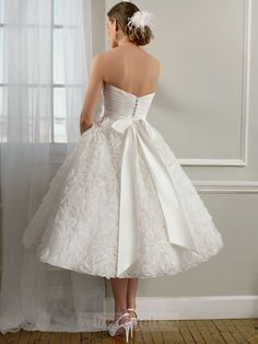 Attractive A-line Sweetheart Tea-length Organza White Wedding Dresses - $141.99 - Trendget.com