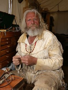 Native American History, Native American Indians, Grizzly Adams, Mountain Man Rendezvous, Grey Beards, Fur Trade, Men With Grey Hair, Ginger Beard, Native Style