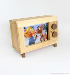 Ana White | Tablet or iPad Holder Retro TV Style - DIY Projects